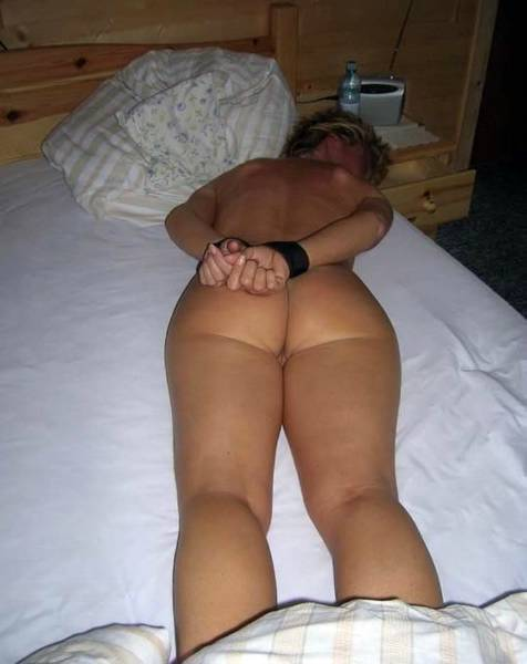 subDimitra - submissive