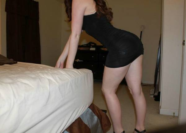 Bottom heavy ebony escort