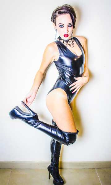 MISTRESSLATEX13 - photo 3