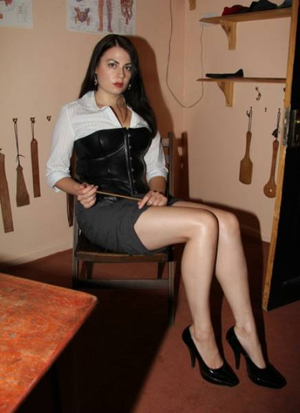 Mistress looking for sub