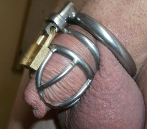 Submissive gay sissy