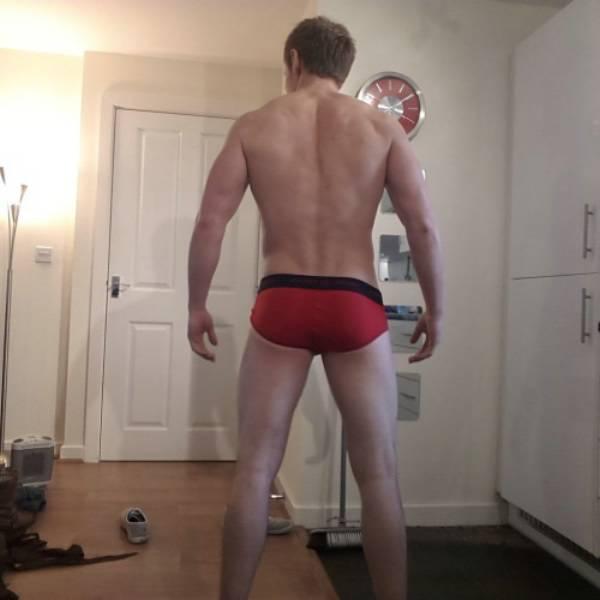 Muscle boy bondage