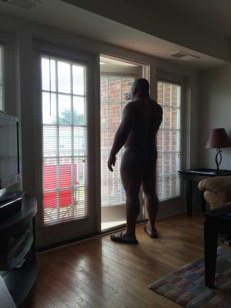 A dominant black man looking for submissive females and couples. Naturally dominant individual with very high expectations of my submissives. I can teach you but only if you are willing to learn. Im a very busy man and I am looking for submissives th ...