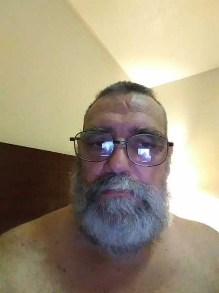 Thanks for looking at my profile. I am looking for a 24/7 live-in sub or slave for a long term relationship. Like finding the right person for any other type of relationship it means meeting and dating new people so I am very open to new friends and  ...