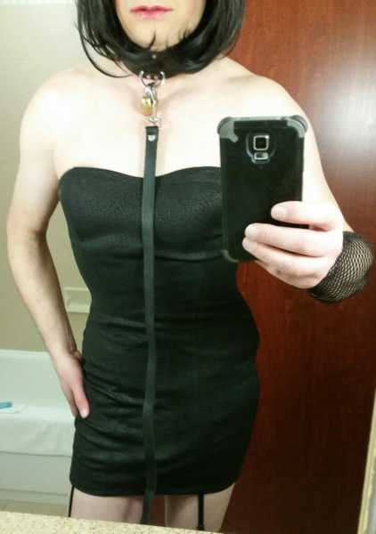 ! Submissive kinky gurl for bondage play. Can also be a very strict Dominatrix at times... gurl is ready and willing to be tied, gagged, corseted, hooded, spanked, the wonderful list goes on and on. Looking for kink minded friends to have a lot of di ...