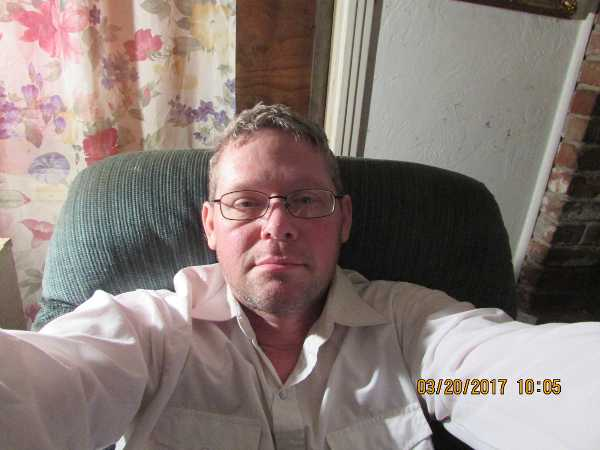 LOOKING FOR FRIENDS AND LTR  AND marriage,  I would like to meet a girl, I am a country boy  in northern calif, ...