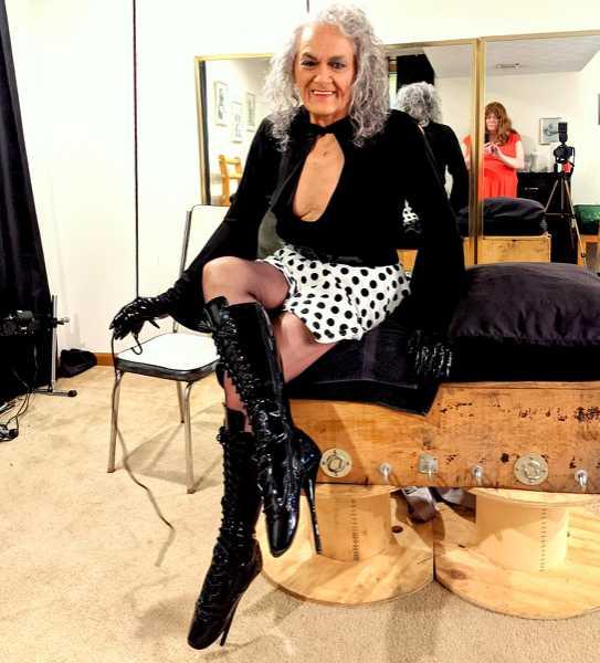 veronicaboundcd - submissive